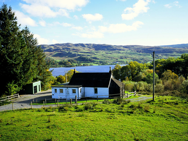 Boatmans Cottage self catering by Loch Awe