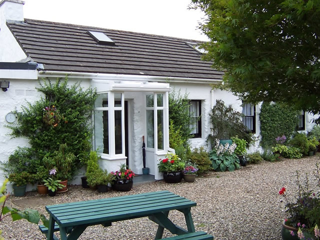 Moorcroft self catering by Loch Etive North Connel near Oban